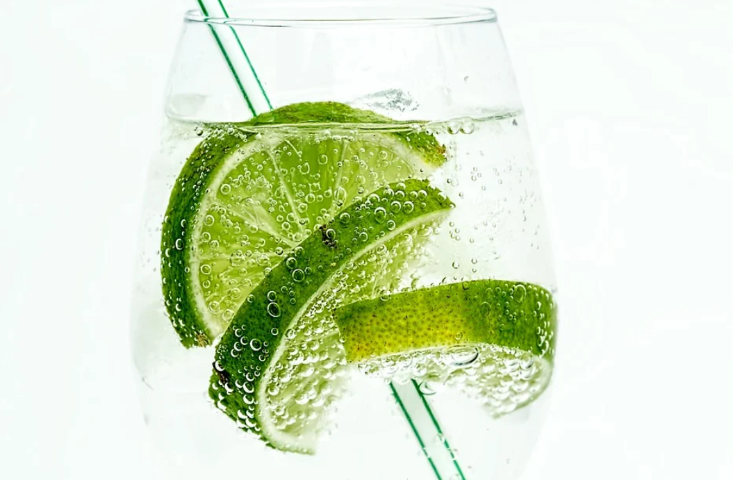 gin s tonikem