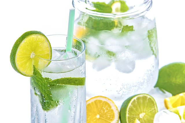 voda, limetka, led
