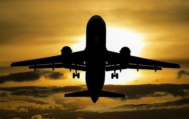 slunce za letadlem